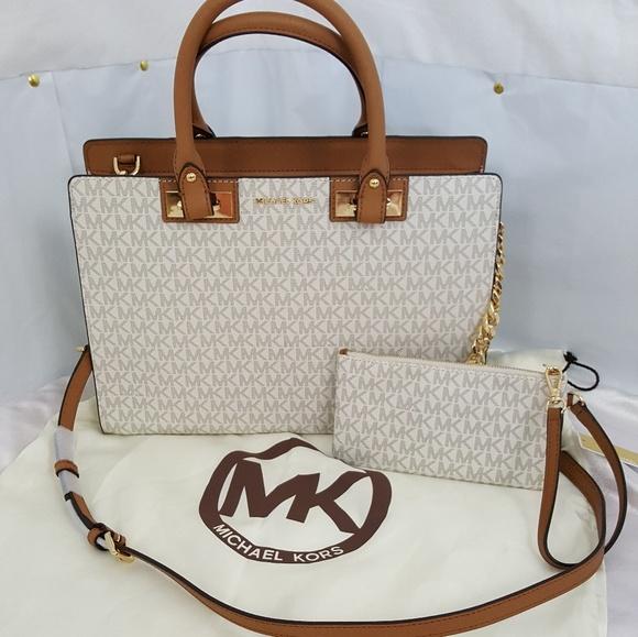 b1ac8fffa258 Michael Kors Bags | Quinn Vanilla Large Satchel Wristlet | Poshmark